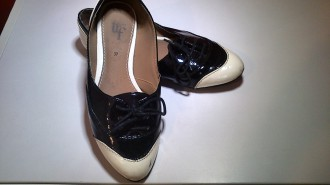 Zapatos Zara Negro y blanco