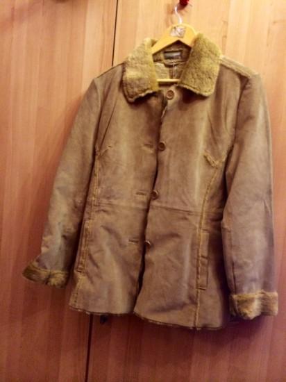 Chaqueta/abrigo corto muy abrigado. Interior suave