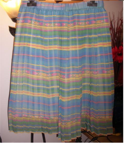 Falda plisada de colores