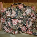 "Bolso ""messenger bag"" flores"