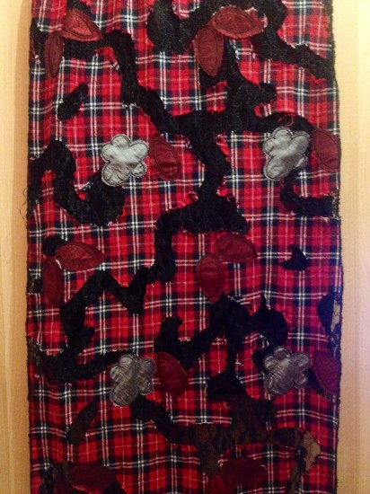 Bufanda extra suave en negro y rojo / escocesa