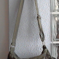 bolso militar color caqui.