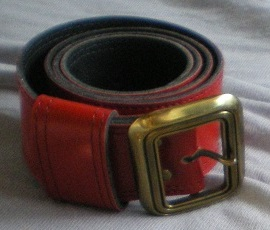 Cinturón rojo polipiel