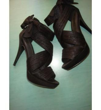 Zapato negro de Blanco