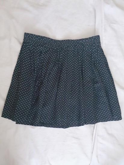 Falda de puntitos