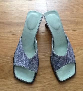 Sandalias efecto piel