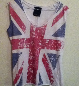 VENDO(8€)Camiseta Bandera UK de ZARA