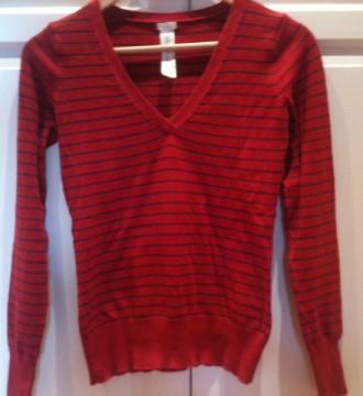 Jersey rojo con rayas