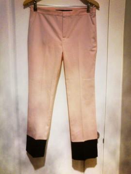 Pantalón rosa claro y negro