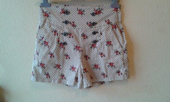 Shorts lunares flores vintage cintura alta pinup