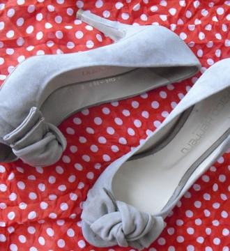 Zapatos de ante beis