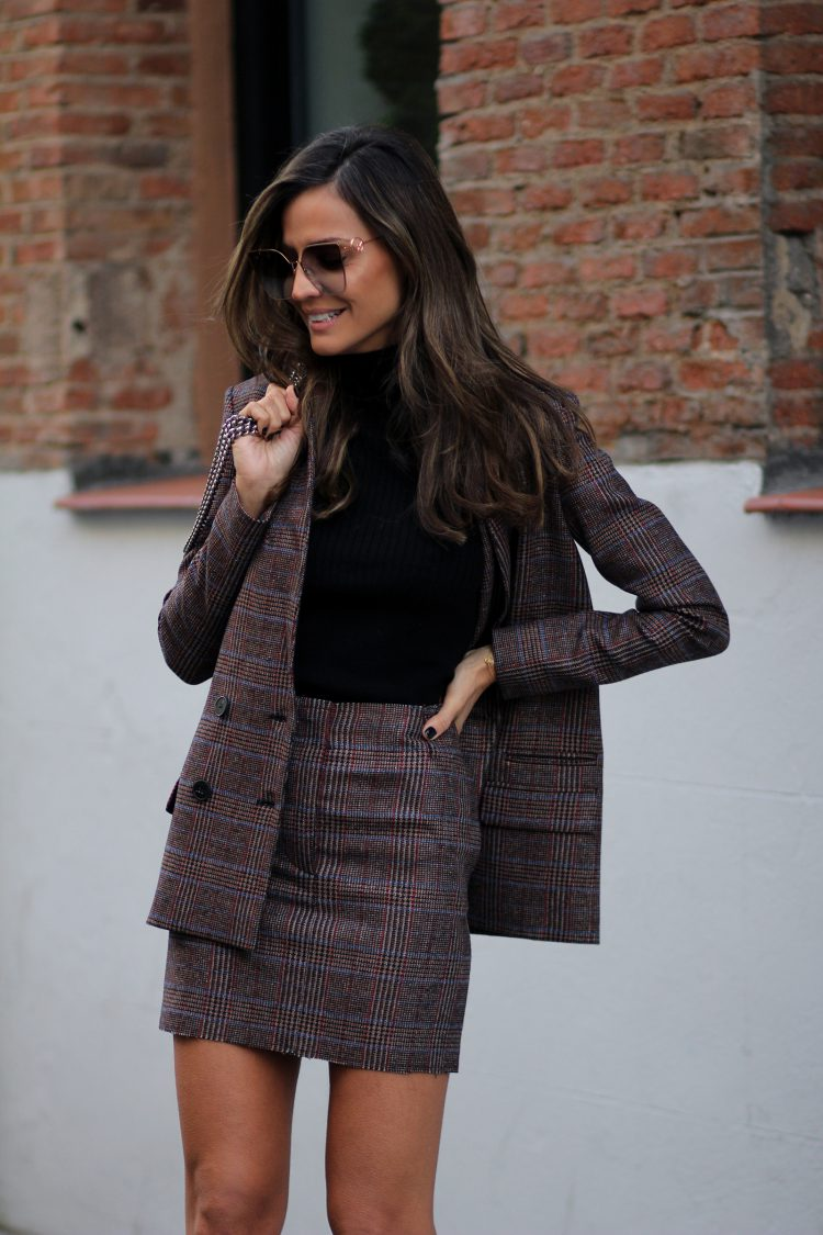 OFFICE LOOK PINKO