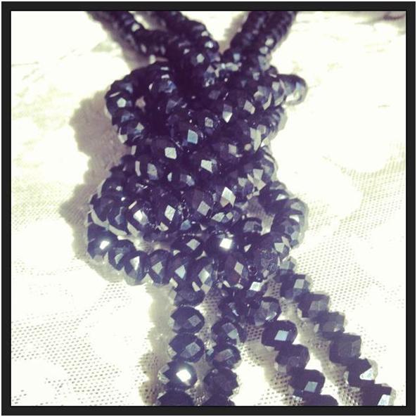 El collar de cuentas: Un básico que no puede faltar en tu joyero -50059-laubuil