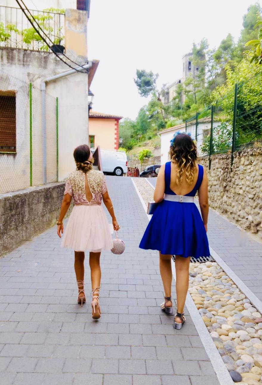 Vestido azul y nude