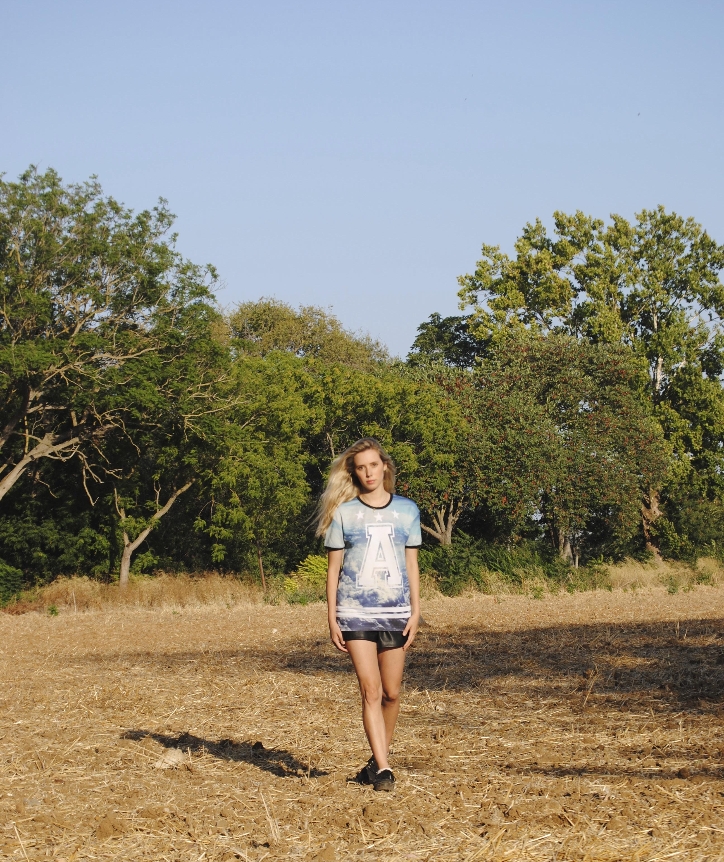 Shorts: Zara; Camiseta: Zara Hombre; Zapatillas: Victoria