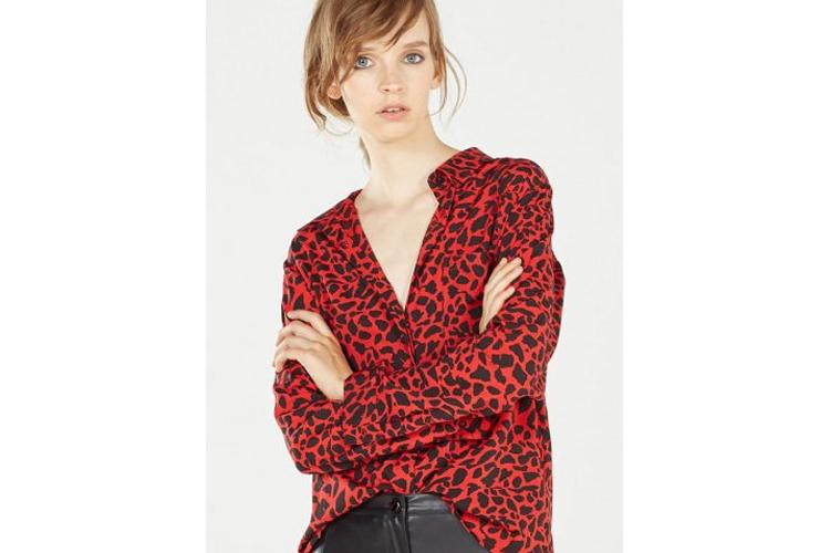 fashion_4_me-color-camisa_roja_estampada-centro_comercial_luz_del_tajo