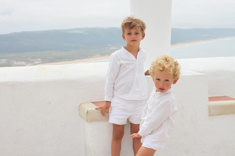 camisa-bermudas-blancas