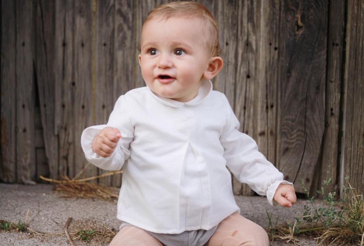 camisa-cuello-bebe-topos