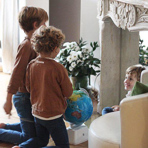Viajar en familia desde casa – Mamá Trendy