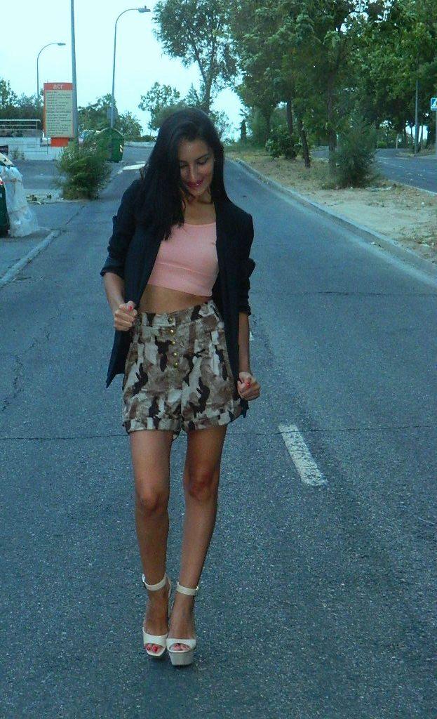 Blazer: H&M Top: Mango Shorts: Suiteblanco Sandalias / sandals: Zara Sombrero / hat: Esfera