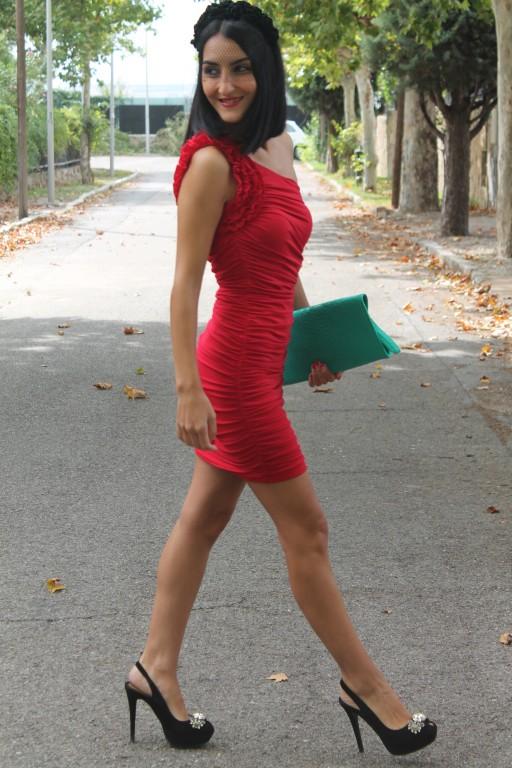 Vestido / dress: Liz Minelli Zapatos / shoes: Zara Clutch: Primark Tocado / head gear: Parfois