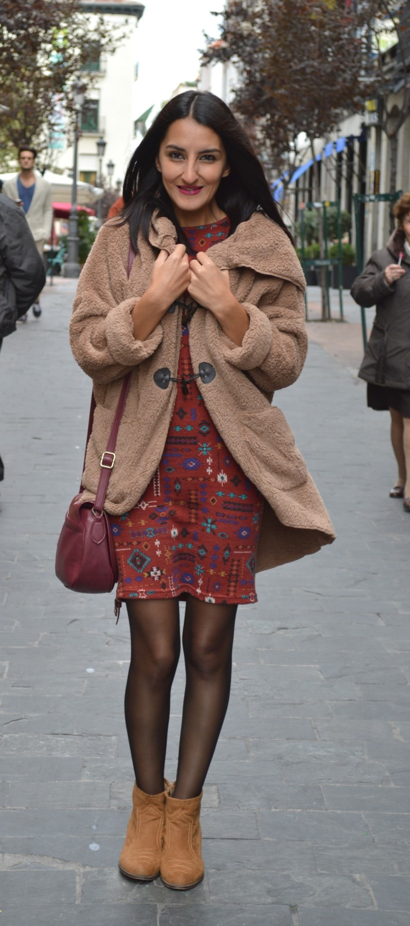 Abrigo / coat: El Rincón de Laura (new) Vestido / dress: Shana (new) Botines / booties: Bershka (old) Bolso / bag: Berska (old)