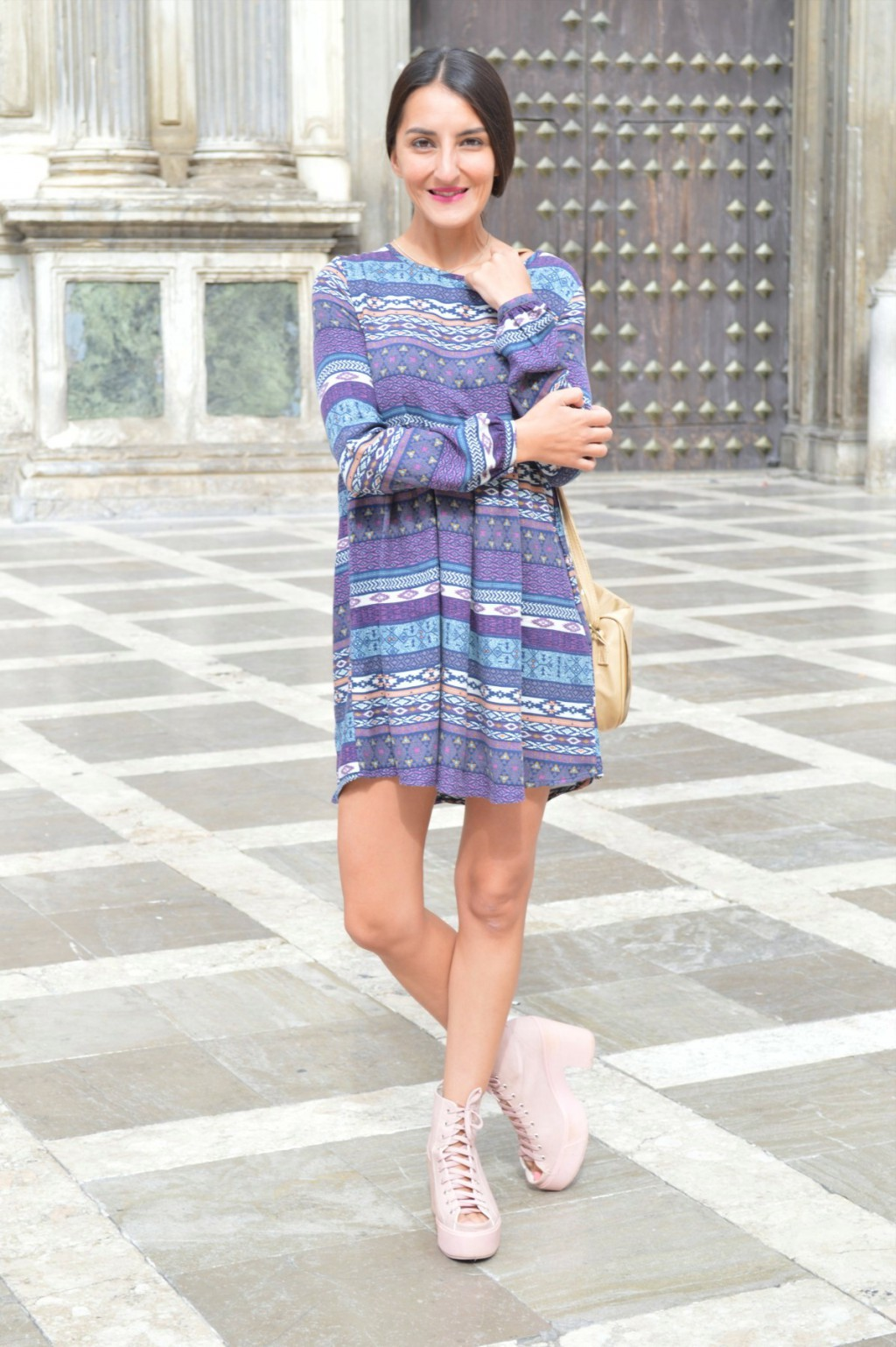 Vestido / dress: Shana (new) Botas / boots: Topshop Bolso / bag: tienda local - local store (old)