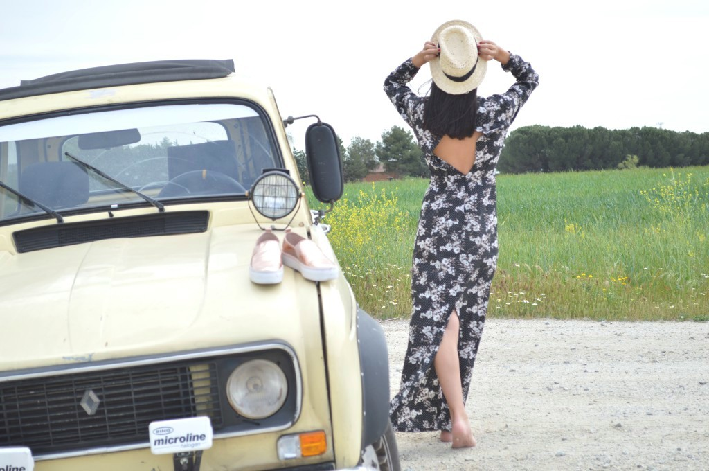 Vestido largo / maxi dress: ma valise Sombrero / hat: Sfera (old) Slip: Stradivarius (new)