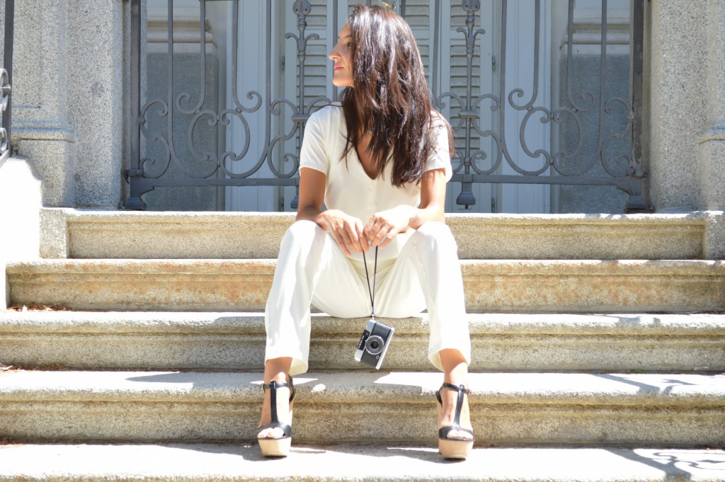 Mono / jumpsuit: lefties Sandalias / platform sandals: zara (old) Colgante / necklace: lefties