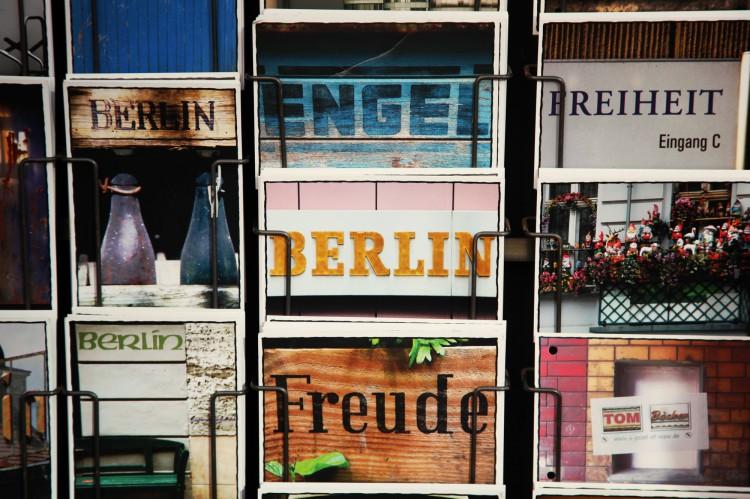 BERLIN: A TRIP GUIDE-58147-mydailystyle