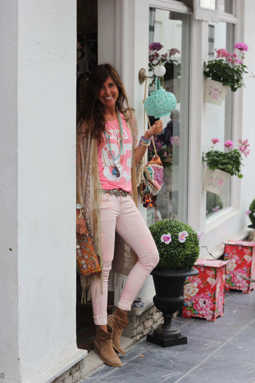 shopping in tarifa town-56030-mytenida