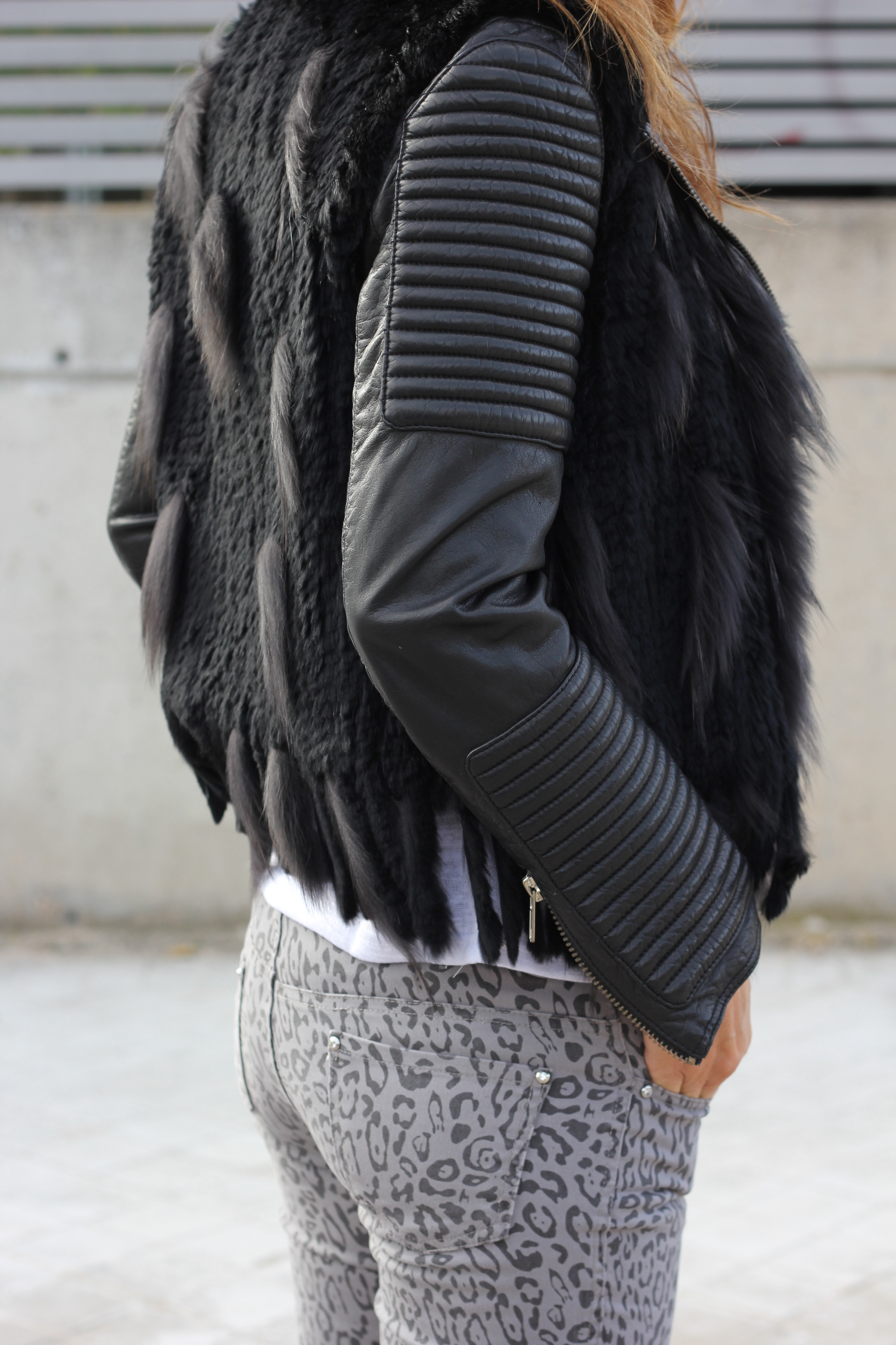 fur vest and animal print-58258-mytenida