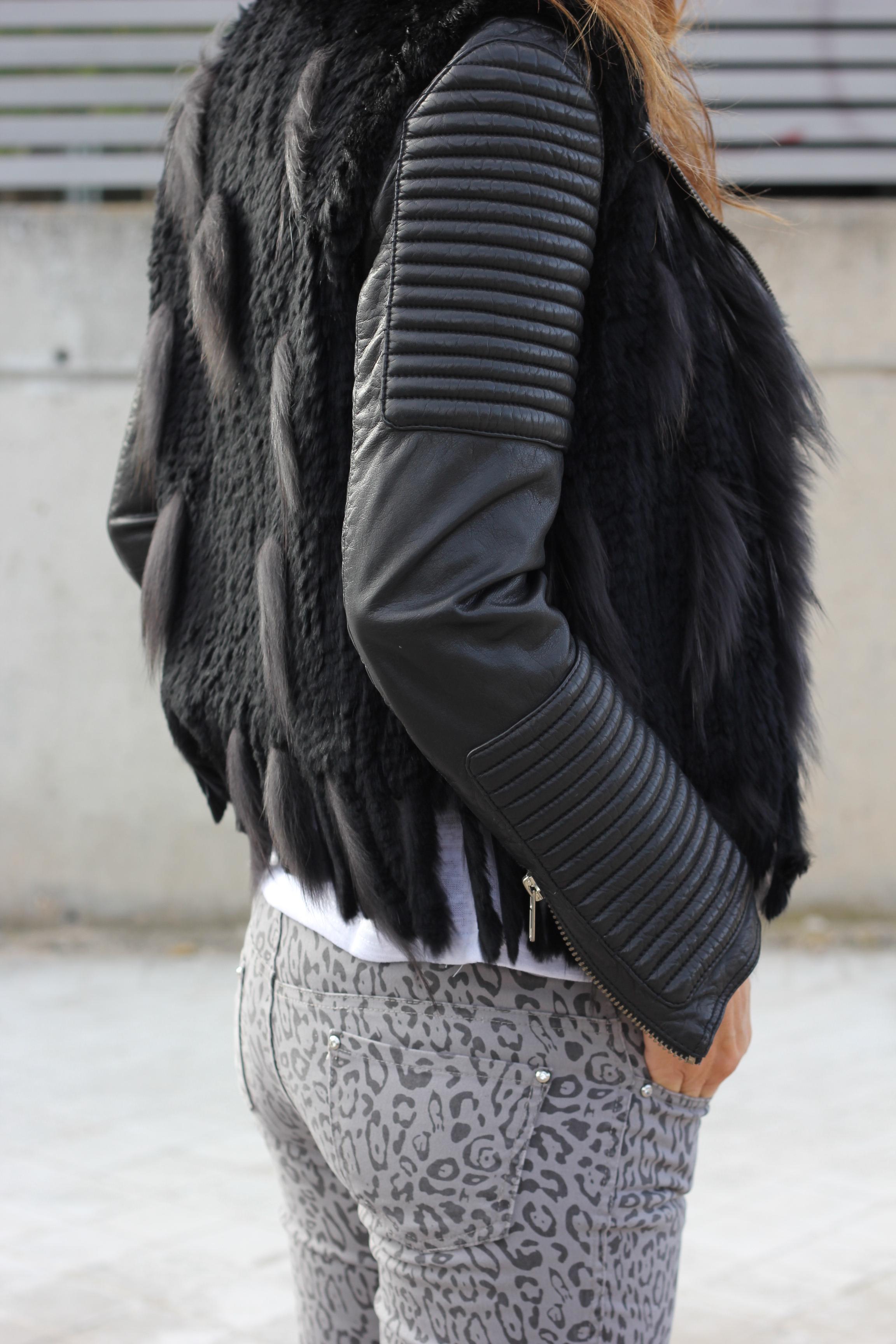 fur vest and animal print-58258-mytenida