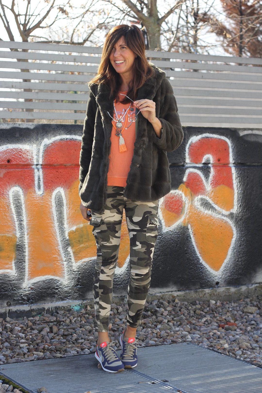 street girl-66273-mytenida