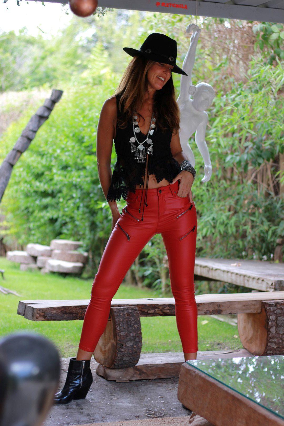 red pants-69068-mytenida