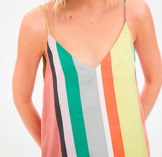 top de rayas verticales de colores