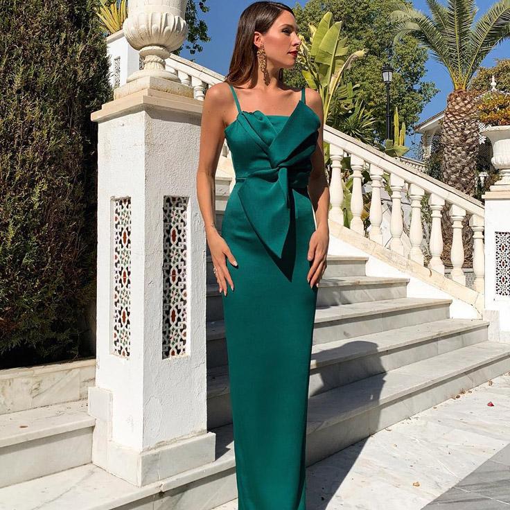 Rocío Osorno con vestido con lazo