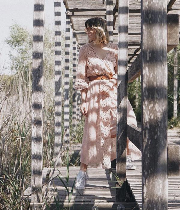 macarena gea vestido rosa de encaje