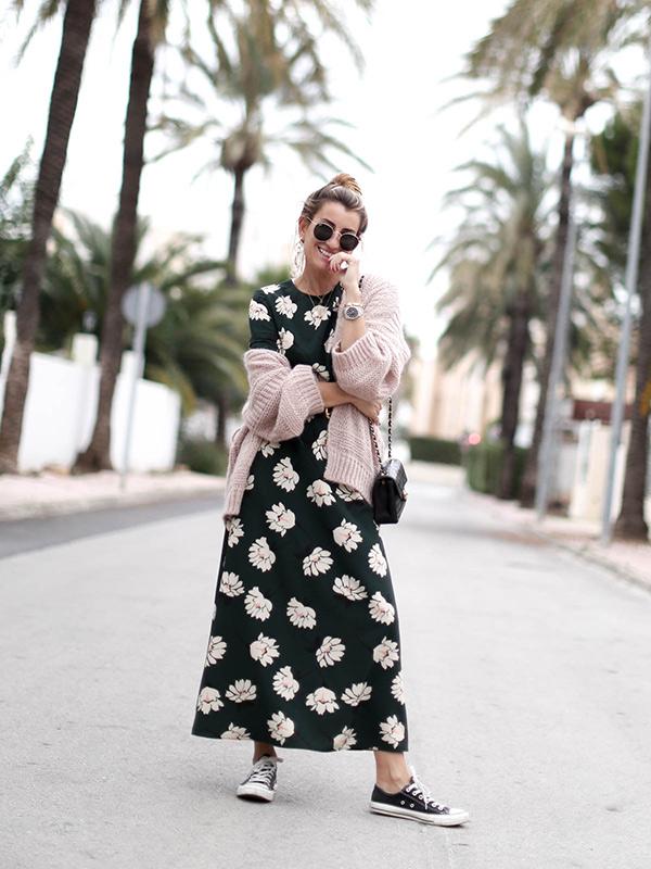 Bartabac con vestido de flores
