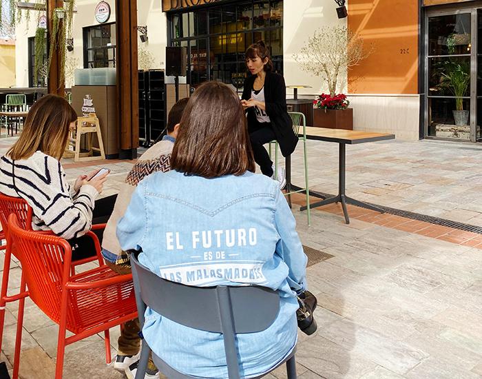 Charla en Patio Gourmet Plaza Mayor Malas madres