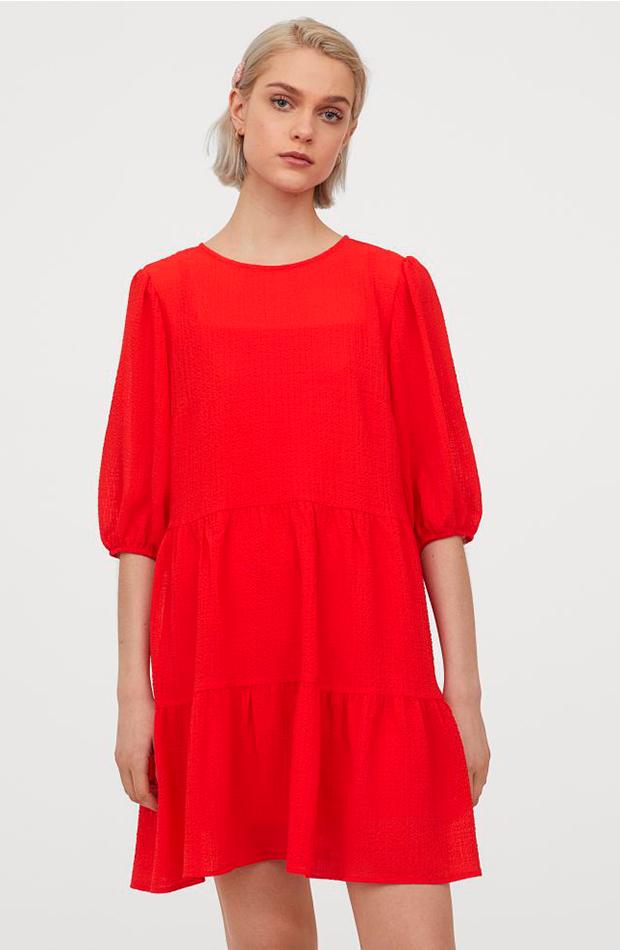 Vestido rojo evasé de H&M