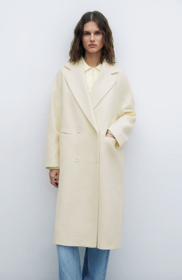 Abrigo largo de Zara en tonos claros
