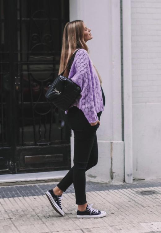 Natalia Coll con jersey malva