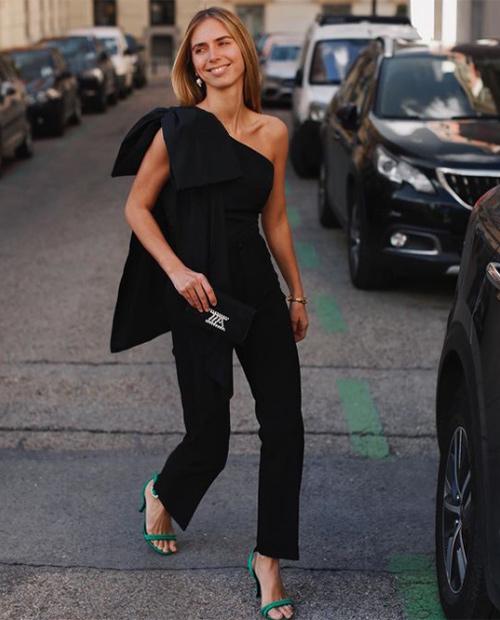 Lucía Bárcena con total look negro
