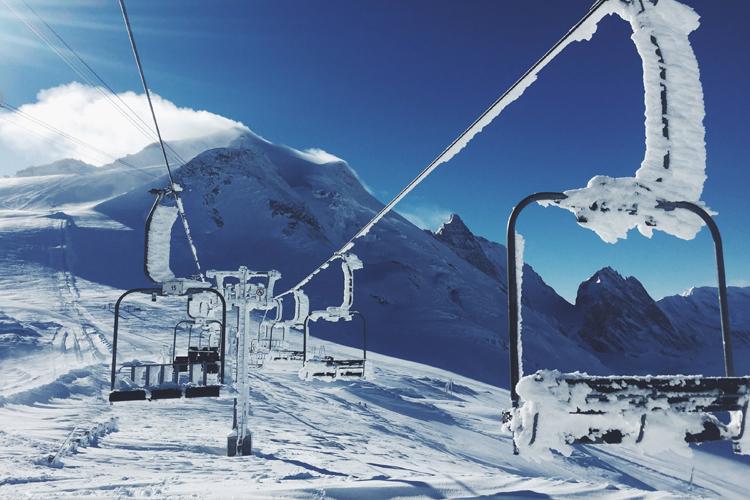 esquiar_en_finde-los_alpes-planes_de_finde-maletas_de_viaje