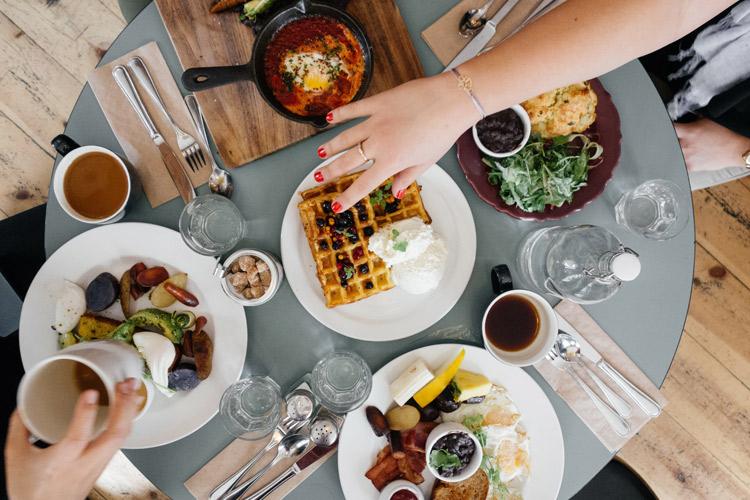 menus_de_navidad-comida_fuera_de_casa-cena_con_amigos