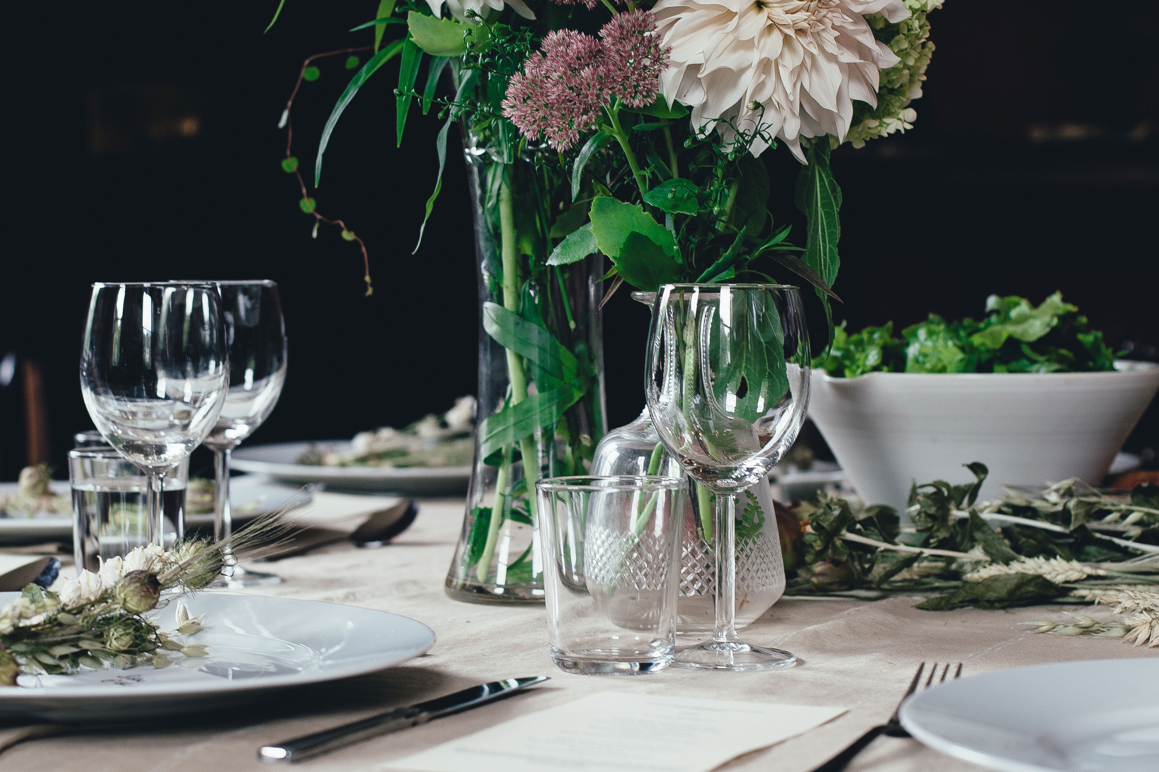 como_decorar_tu_mesa-platos_online-comidas_en_casa