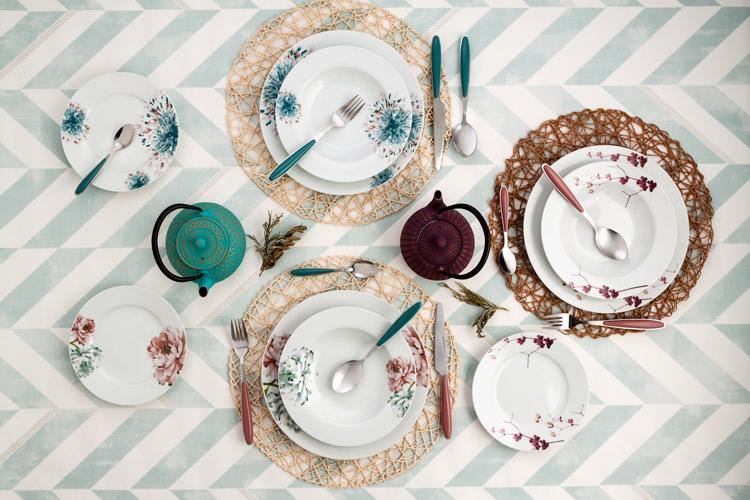 Trucos para tener una mesa bonita hogar primeriti for Como poner una mesa bonita