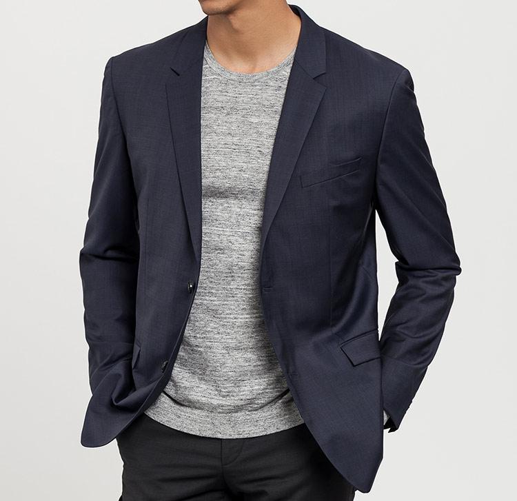 básicos de armario masculinos de Calvin Klein en Primeriti, americana