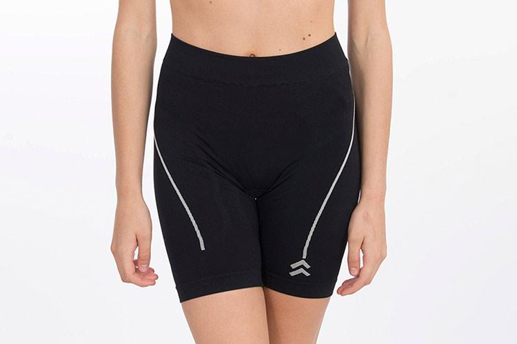 ropa deportiva anaissa en primeirit. leggins cortos